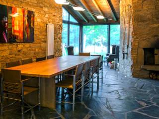 Salle à manger moderne par Belén Sueiro Moderne