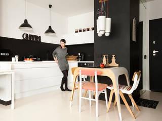 Modern dining room by Sic! Zuzanna Dziurawiec Modern