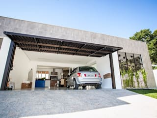 Garage / Hangar de style  par Roma Arquitetura