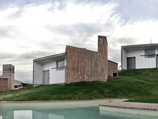 El Mangaleta by Marco Rampulla: Hoteles de estilo  por MATTIUZ LOZANO,Moderno