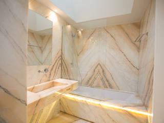 Moradia MC: Casas de banho  por RDLM Arquitectos associados,Moderno