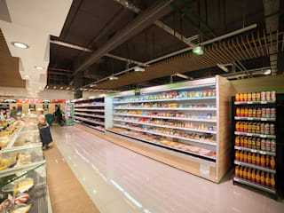 """Супермаркет VARUS, ТЦ """"Квадрат"""" Офисы и магазины в стиле минимализм от Студия дизайна Саши Федоренко Минимализм"""