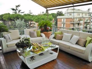 Mediterranean style balcony, veranda & terrace by Loredana Vingelli Home Decor Mediterranean