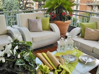 Loredana Vingelli Home Decor Mediterranean style balcony, veranda & terrace Glass Green
