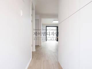 Pasillos, vestíbulos y escaleras de estilo industrial de JMdesign Industrial