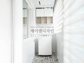 영통 매탄동 동남아파트 22평인테리어: JMdesign 의  베란다