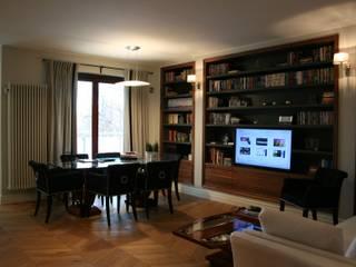 Classic style dining room by Sic! Zuzanna Dziurawiec Classic