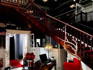 isabel Sá Nogueira Design 隨意取材風玄關、階梯與走廊