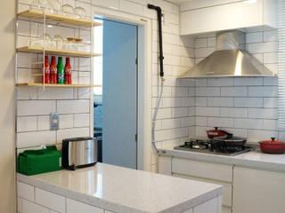 32평 초원대림아파트 리모델링 : 디자인브리드의  주방