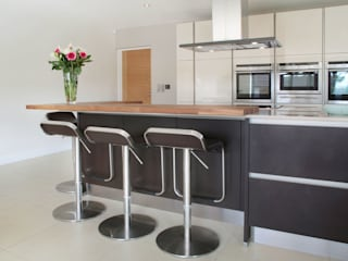 Windmill Close Dapur Modern Oleh in-toto Amersham Modern
