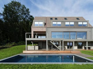 Modern houses by BURO5 - architectes & associés Modern