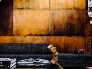 Ayuko Studio Salones de estilo moderno Cobre/Bronce/Latón Marrón