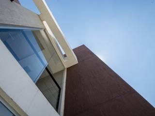 PORTAL SANTA RITA: Casas de estilo  por CELOIRA CALDERON ARQUITECTOS