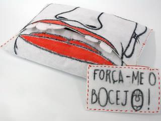 FORCE YAWNING por Marcos Alves Design Rústico
