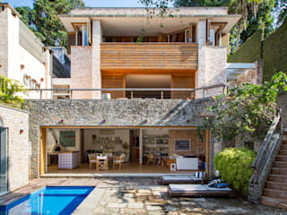Tropical style houses by Maria Claudia Faro Tropical