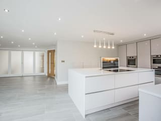 House 2 Modern kitchen by Whitshaw Builders LTD Modern Plastic