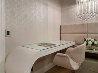 Apartamento Palazzo: Quartos  por Designer de Interiores e Paisagista Iara Kílaris