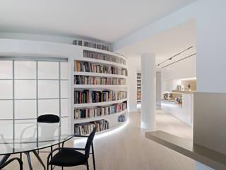Eclectic style corridor, hallway & stairs by asieracuriola arquitectos en San Sebastian Eclectic