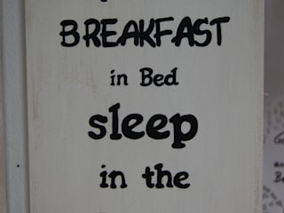 """Holztafel als Wanddeko mit Spruch """"Breakfast in Bed"""":   von Meriland-Iris Meruna"""