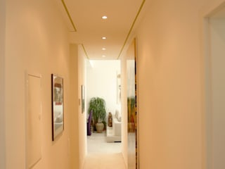 Modern Corridor, Hallway and Staircase by DF Design Modern