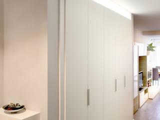 Pasillos y vestíbulos de estilo  por amBau Gestion y Proyectos, Moderno