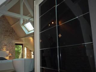 BRANDIVY: Salle de bains de style  par NAI ARCHITECTURE