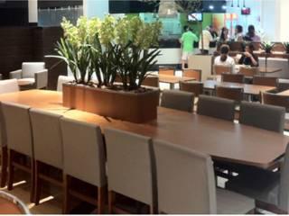 Praça de alimentação do Shopping Parque Balneário – Santos: Espaços gastronômicos  por KN Associados,Moderno
