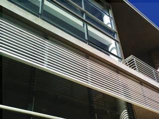 Trabajos realizados: Casas de estilo moderno por ArquiGlass