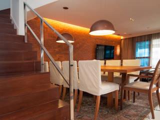 Av. Lúcio Costa: Terraços  por Alê Amado Arquitetura,Moderno