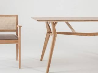 Muebles de diseño:  de estilo  por Marini Estudio
