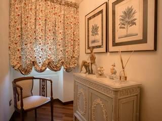 Villa: Soggiorno in stile  di Quintavalle Interior Design
