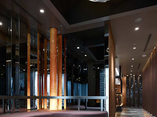 Chinese Restaurant SHAHODEN: 株式会社オムドが手掛けた廊下 & 玄関です。,和風