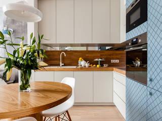 Our photoshoot of apartment design by JT Grupa Architects 2 Skandynawska kuchnia od Ayuko Studio Skandynawski