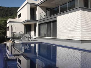 DO Alella House: Casas de estilo  de EAIM Estudio de Arquitectura e Ingenieria Mirtolini