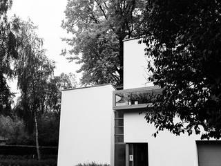 Anvers: Maisons de style  par ATELIER D'ARCHITECTURE ETIENNE BLAVE sprl