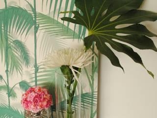 Pedaço de sol! - Decoração de sala de estar e jantar Salas de estar modernas por White Glam Moderno