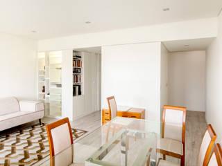 Apartamento Oeiras Salas de jantar modernas por Landmark Arquitectos Moderno
