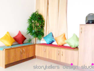 Storytellers Design Studio Modern living room