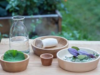 BUCHHOLZBERLIN Design GmbH КухняСтоловые приборы, посуда и стекло Дерево Коричневый