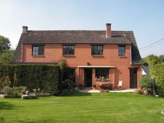 Wilmotte-Mosty Maisons modernes par Wilmotte Architecte Moderne