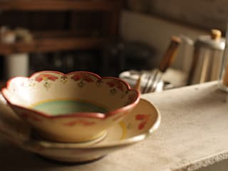 Scandinavian style dining room by Aya Masuyama Scandinavian
