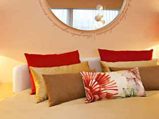 Susana Camelo Modern style bedroom Orange