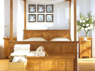 Nachttisch im Schlafzimmer:  Schlafzimmer von Massiv aus Holz