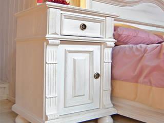 Nachtschrank | Landhausstil:  Schlafzimmer von Massiv aus Holz
