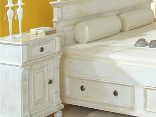 Nachttisch   Skandinavisch & Weiß von Massiv aus Holz Mediterran Massivholz Mehrfarbig