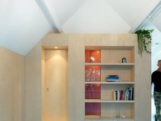 Amsterdam Urban Loft Moderne woonkamers van Bureau Fraai Modern
