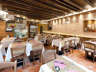 L'OLANDESE VOLANTE Negozi & Locali commerciali in stile classico di STUDIO DI ARCHITETTURA STEFANO TRINCANATO Classico