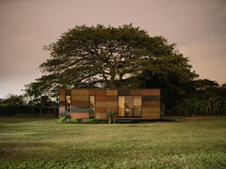Houses by COLECTIVO CREATIVO, Modern