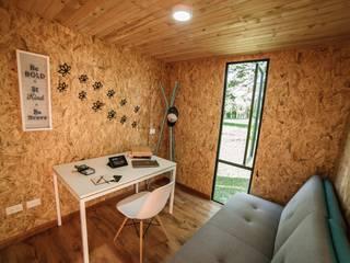 Projekty,  Domowe biuro i gabinet zaprojektowane przez COLECTIVO CREATIVO