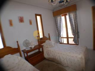 Dormitorio Antes:  de estilo  de Optima HomeStaging